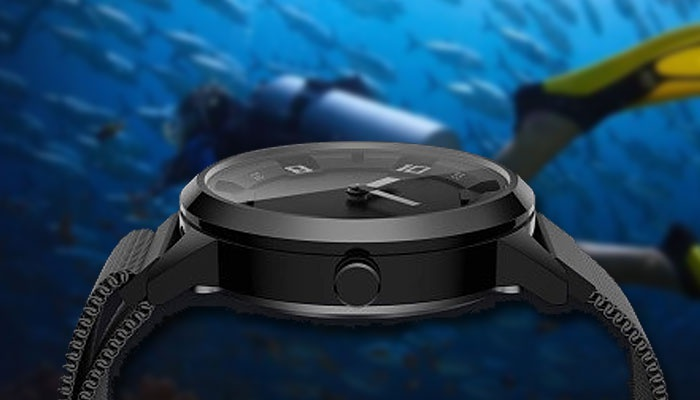 The Watch X Features An Oled Panel And Comes With Sensors To Measure Air And Blood Pressure